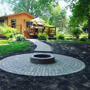 firepit-with-pavers