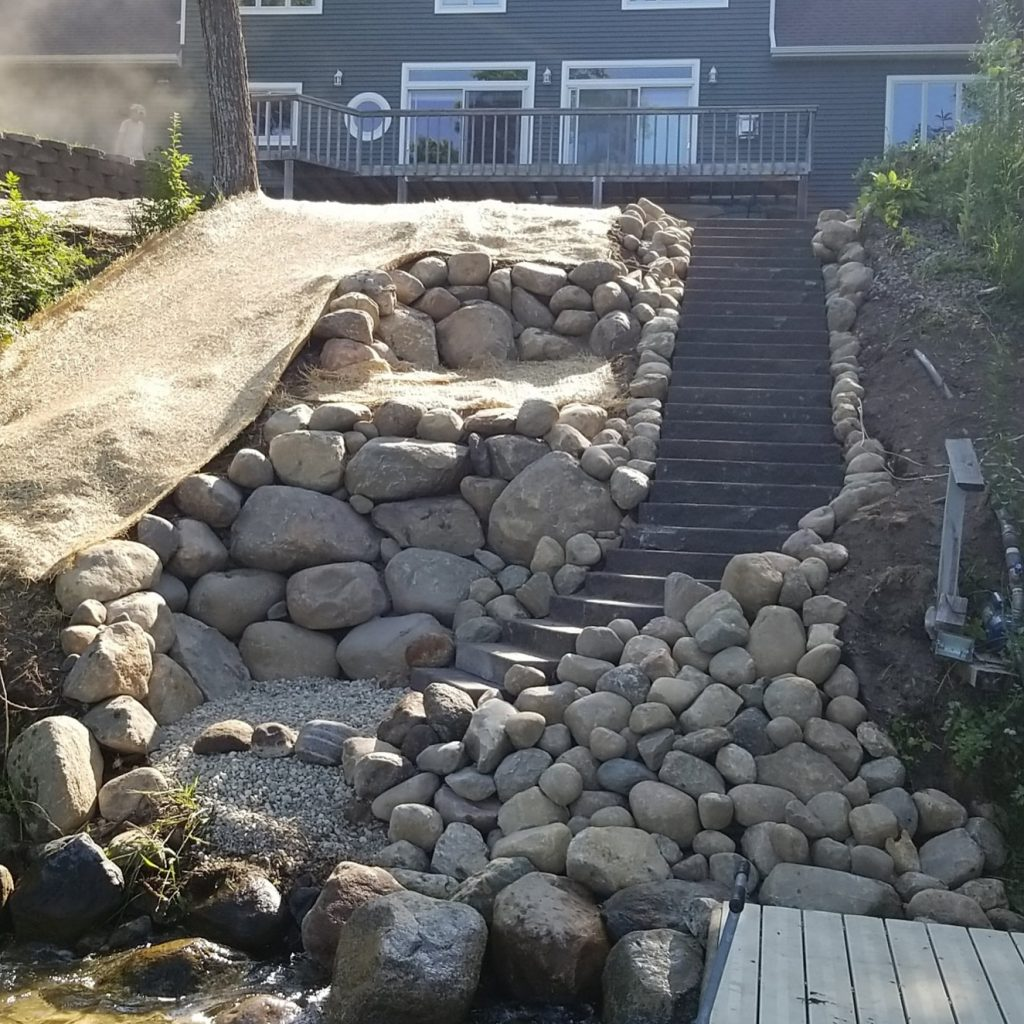 landscape patio retaining wall
